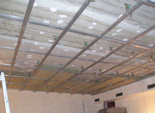 О шумоизоляции потолка в квартире.