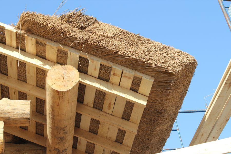 это произведение как сделать крышу из камыша видео магазинов